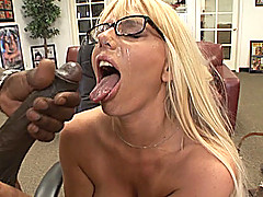 Samantha Silver fucks and gets a facial